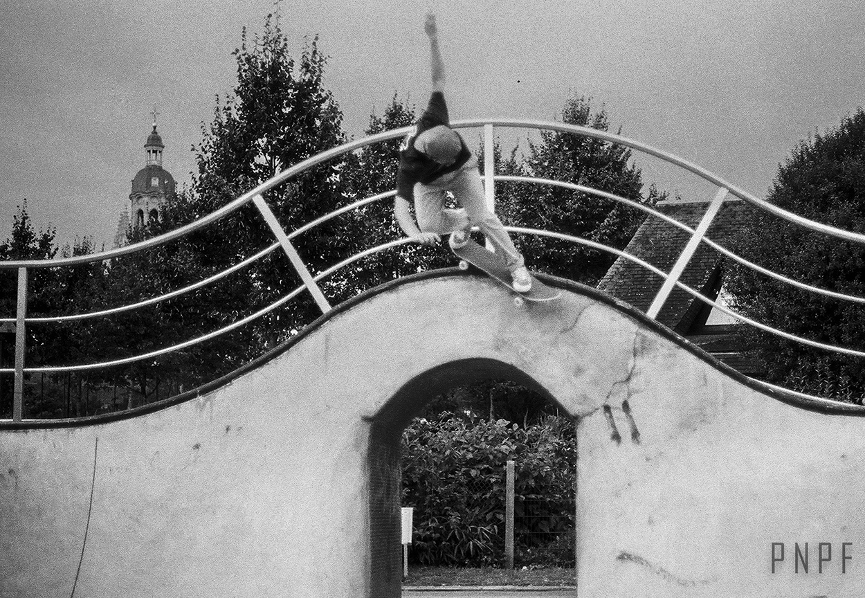 Bs Smith by Unknown skater at Skatepark de Bres Photo by PNPF